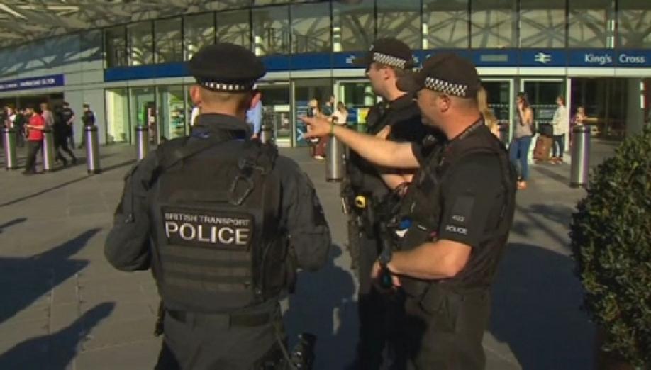 ВБритании понизили уровень террористической угрозы скритического досерьезного