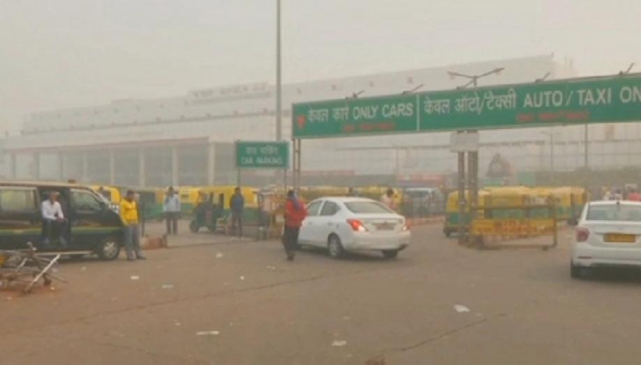 13 авто столкнулись около Нью-Дели из-за смога