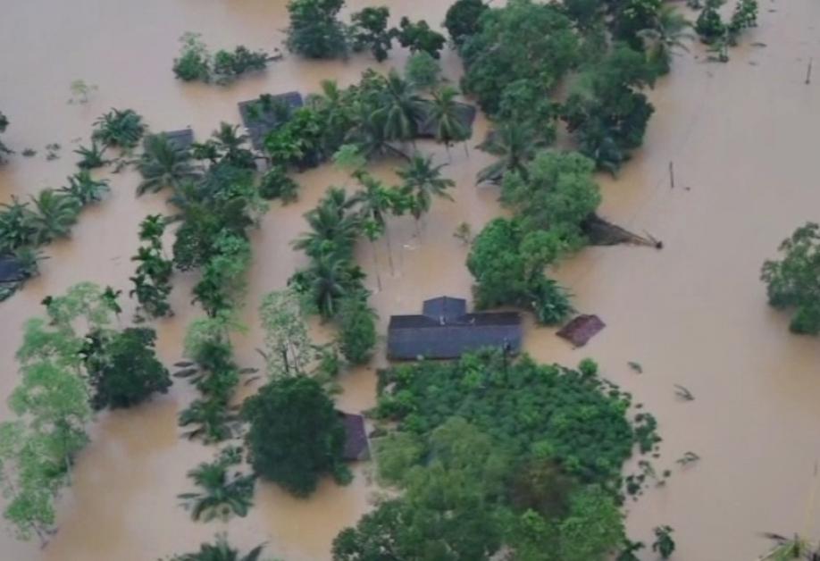 Неменее 200 человек стали жертвами стихии наШри-Ланке
