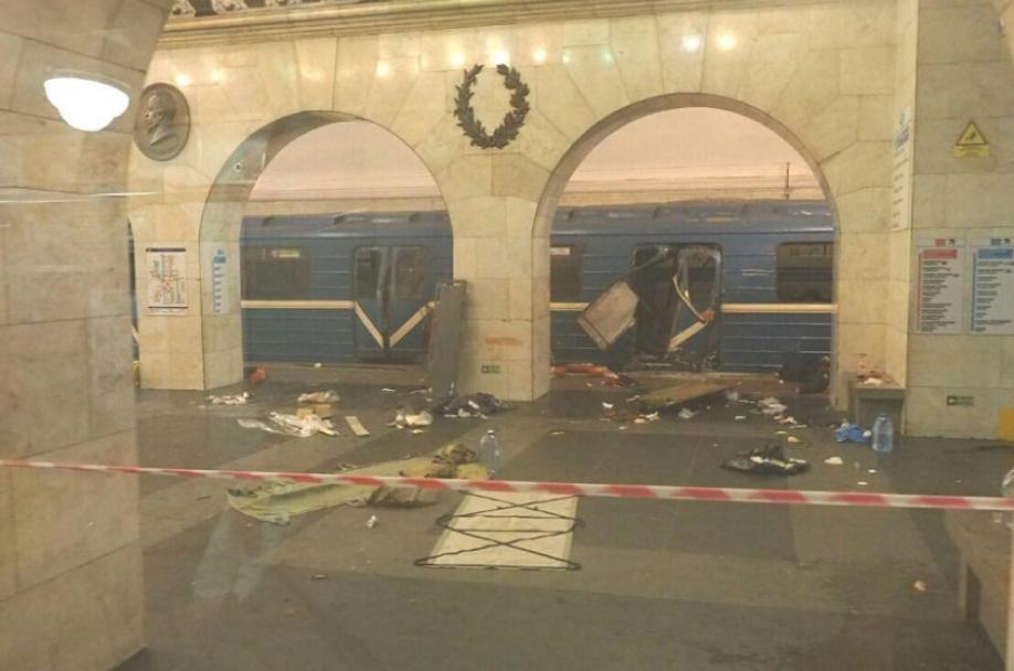 Власти назвали число жертв ираненых— Теракт вПетербурге