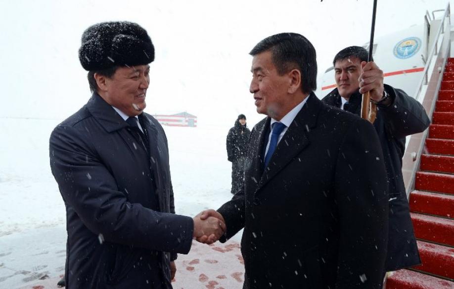 Состоялась церемония официальной встречи президентов Кыргызстана иКазахстана
