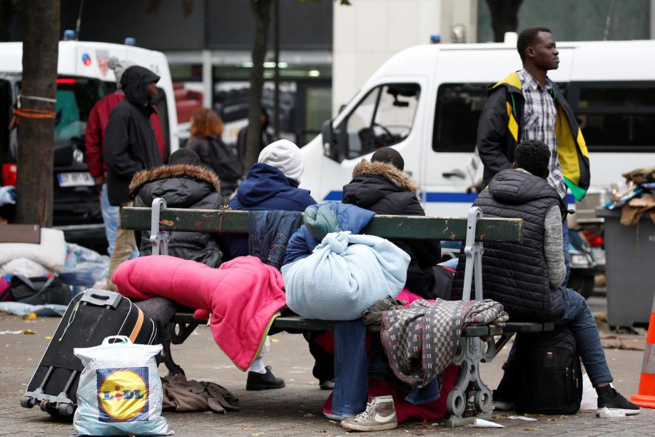 Милиция Франции после удачной операции вКале начала выселение мигрантов изПарижа