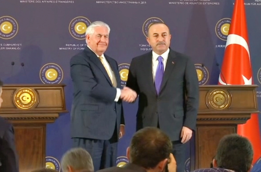Эрдоган объявил оботступлении сирийского ополчения изАфрина после удара Турции