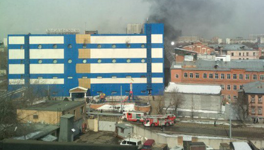 Впожаре  вмосковском коммерческом  центре пострадали два человека