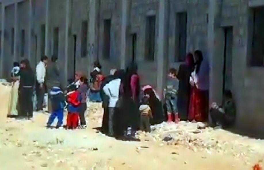 Неменее 900 граждан покинули подконтрольный боевикам район Алеппо