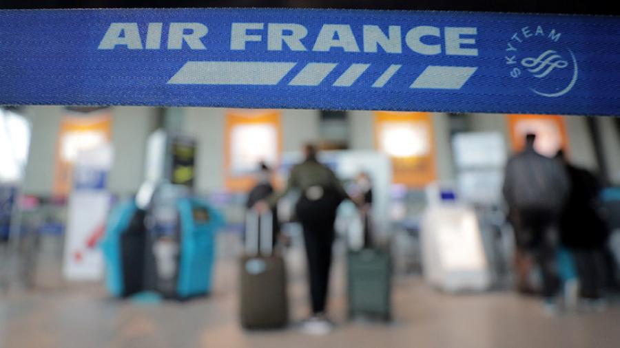 Из-за забастовки отменили треть рейсов Air France