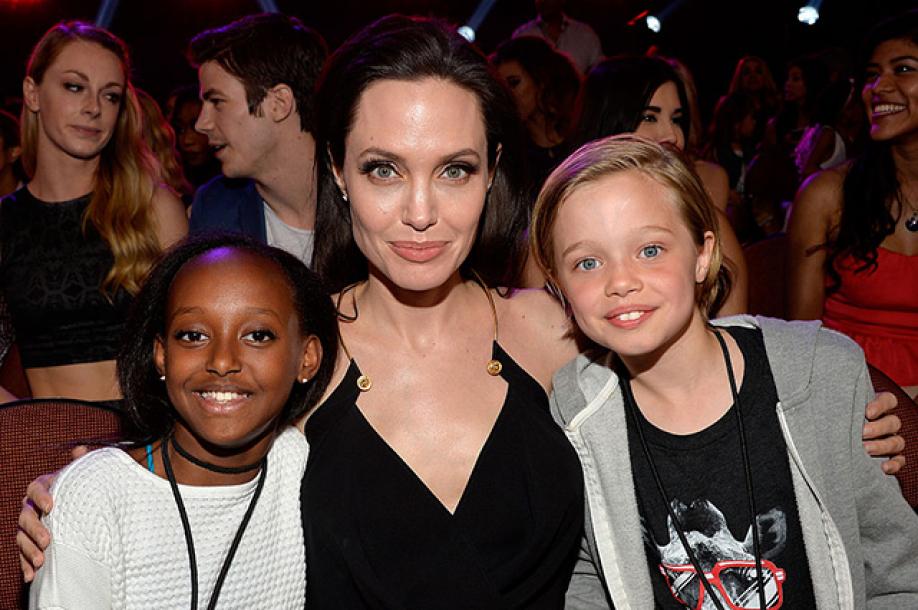 Анджелина Джоли получила право опеки над детьми