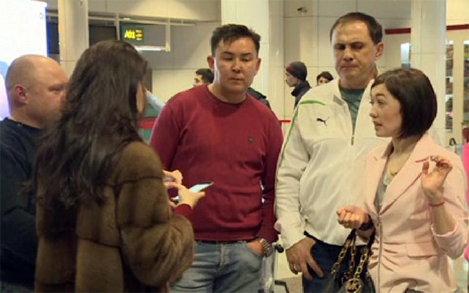 Украинские туристы утверждают, что несколько суток немогут вылететь домой изОАЭ