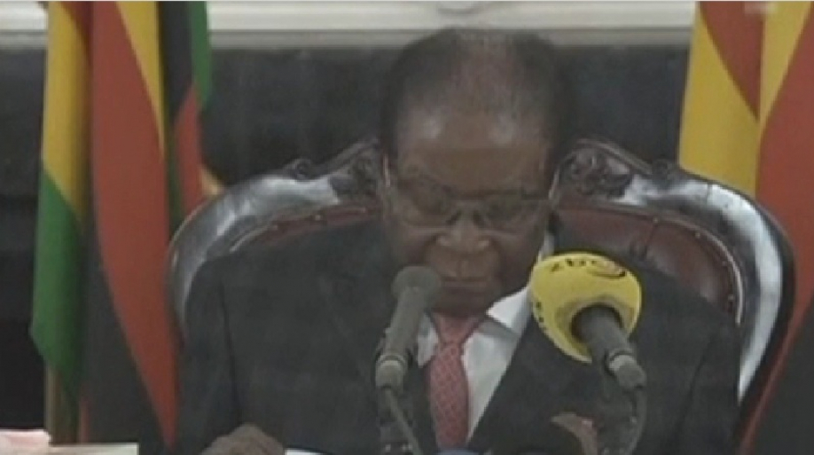 Президент Зимбабве небудет подавать вотставку
