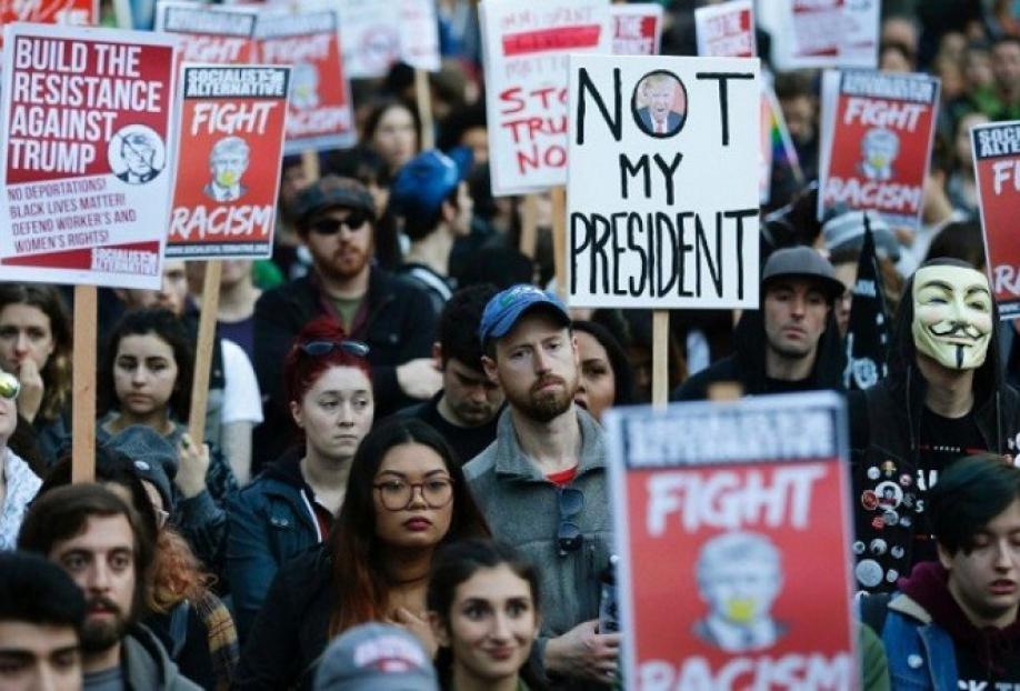 Жители Америки вышли напротесты против Трампа