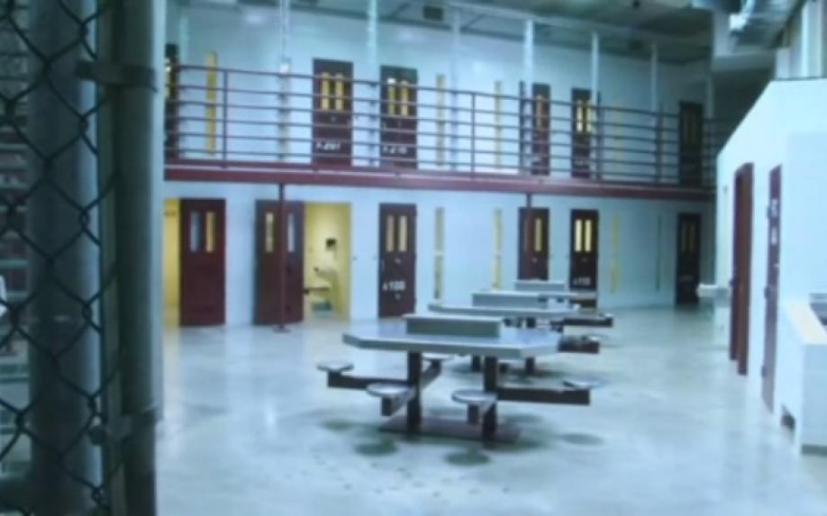 Последнего содержавшегося вГуантанамо жителя России отправили вОАЭ