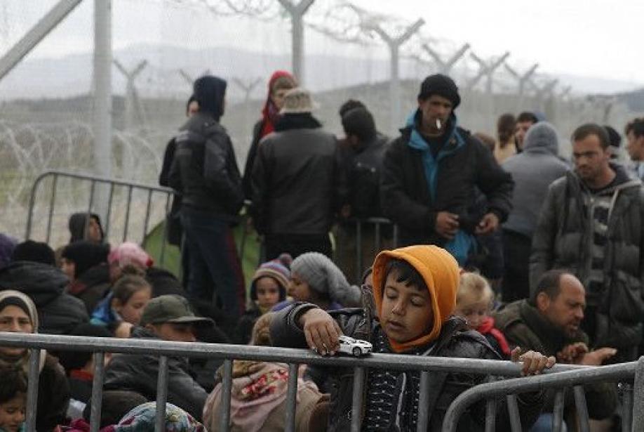 Турция просит НАТО свернуть операцию против незаконных мигрантов