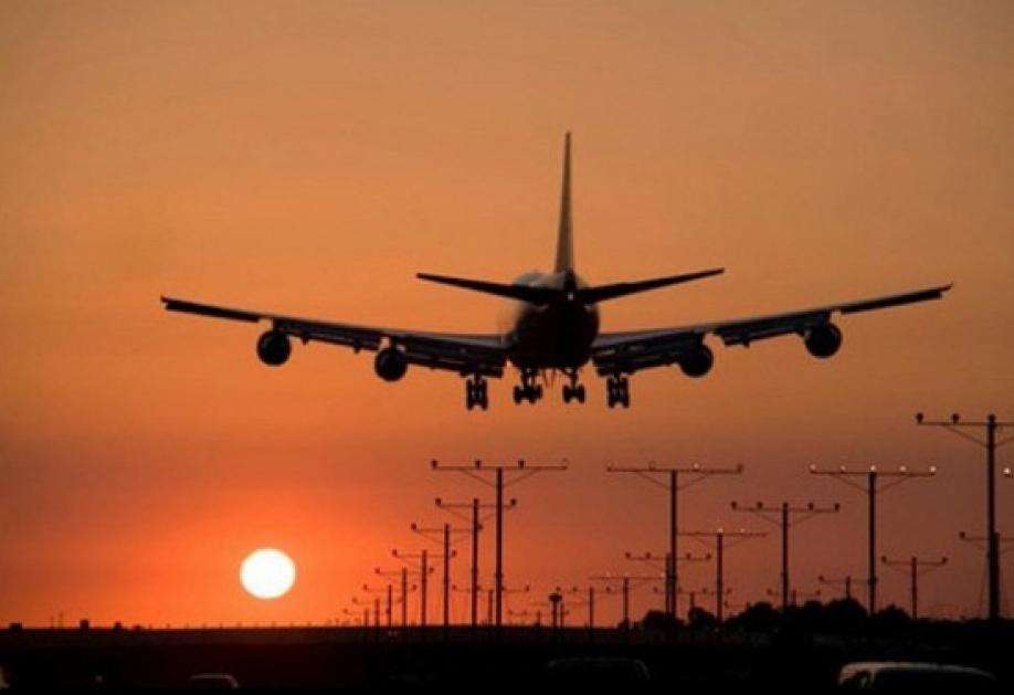 Летевший вАнголу самолет сел из-за забытого вгрузовом отсеке человека