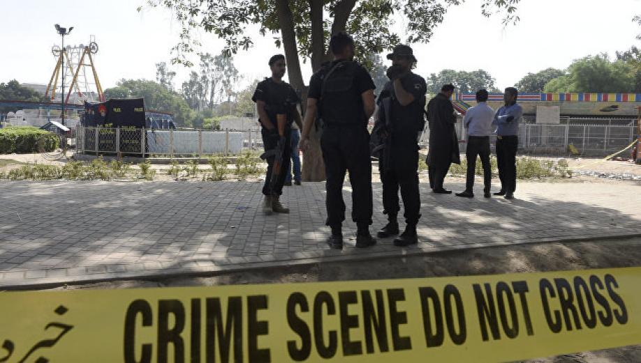 ВПакистане шесть детей погибли при взрыве бомбы, напоминающей игрушку
