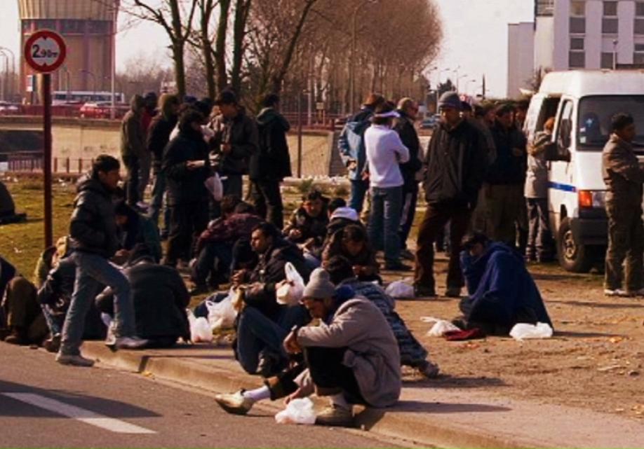 ВГермании беженцев будут бесплатно обучать взамен навозвращение домой