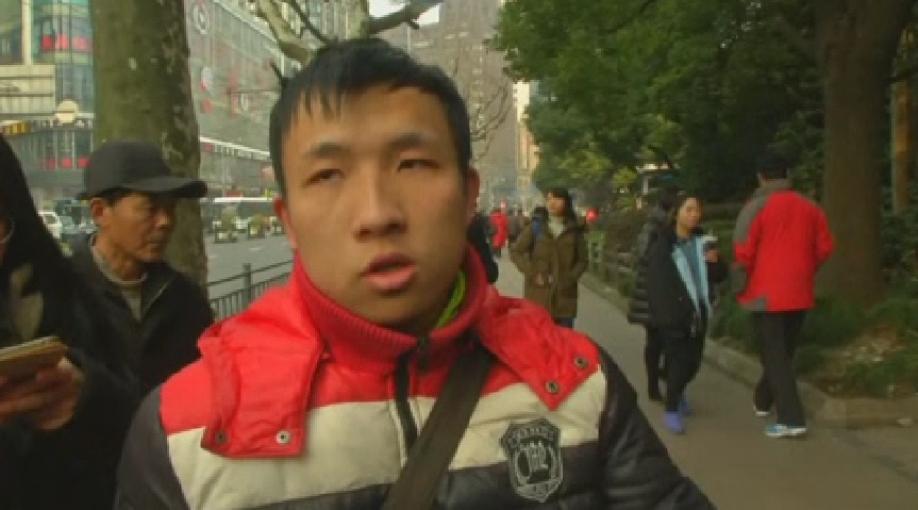 Вцентре Шанхая в«Поднебесной» фургон врезался втолпу пешеходов