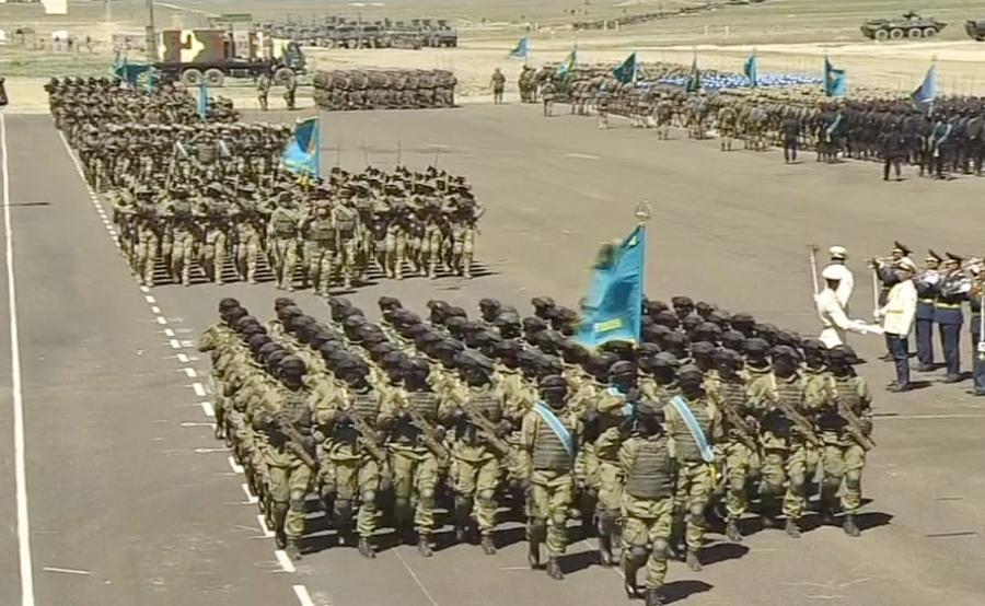 Казахстан увеличивает боеготовность армии— Назарбаев