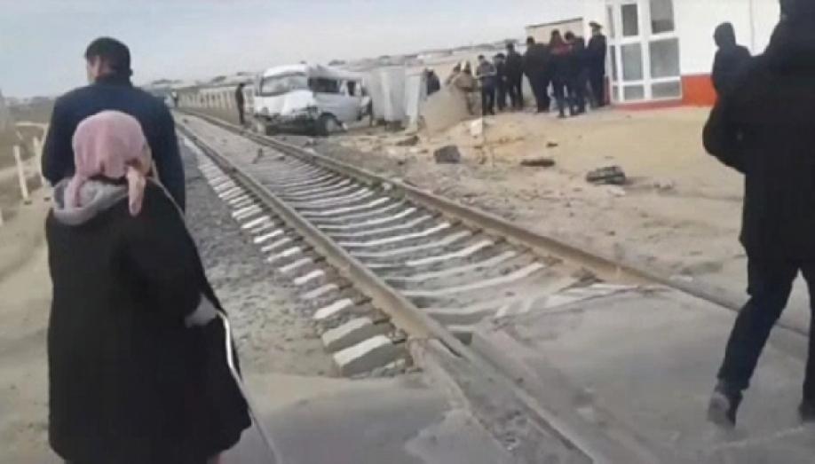 При столкновении маршрутки ифуры вКазахстане погибли девять человек