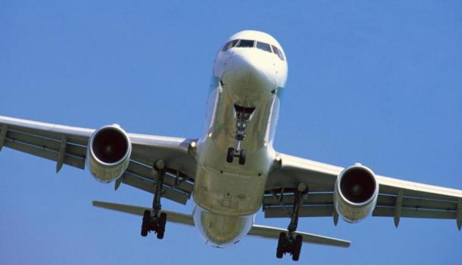 ВКанаде самолет вернулся ваэропорт из-за пламени извыхлопной трубы