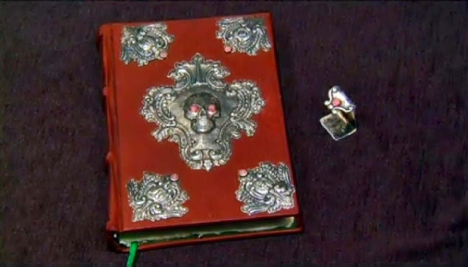 Рукописная книжка Джоан Роулинг ушла смолотка заполмиллиона долларов