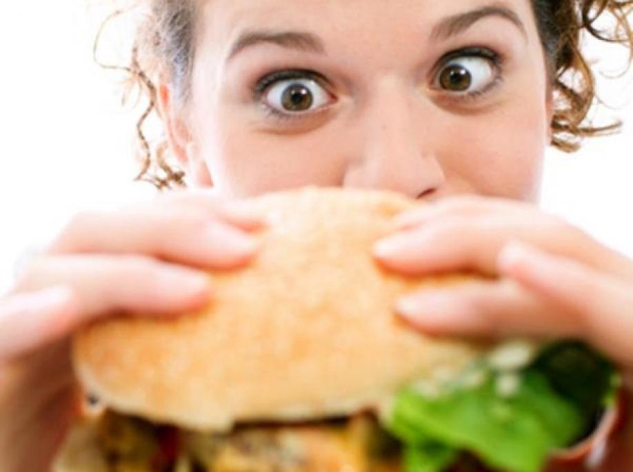 Ученые: Быстрый прием пищи увеличивает риск заболевания диабетом