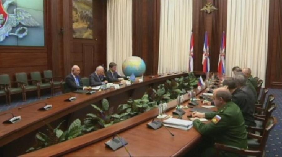 Лавров идеМистура обсудят ракетный удар поСирии