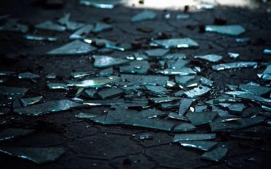 Любительница селфи уничтожила работы Саймона Бирча на200 тыс. долларов