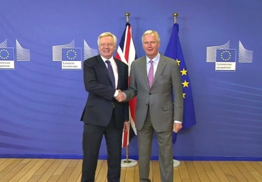Англия начала переговоры сЕС освоем выходе